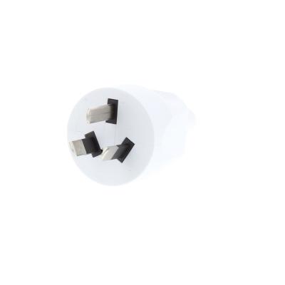 White Australian Rewireable Plug. 10A, 250v, IP20